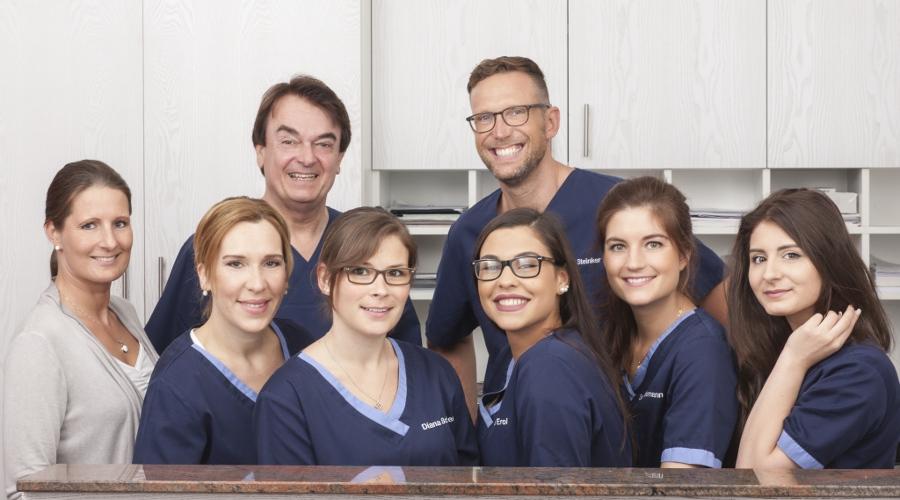 Teamfoto der Zahnärzte in Münster